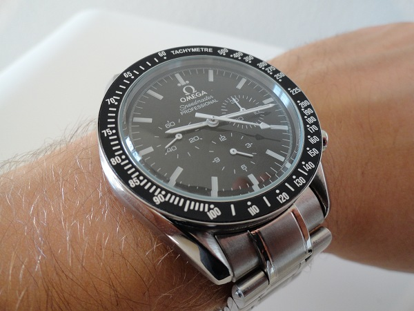 Omega Speedmaster Moonwatch montre replique