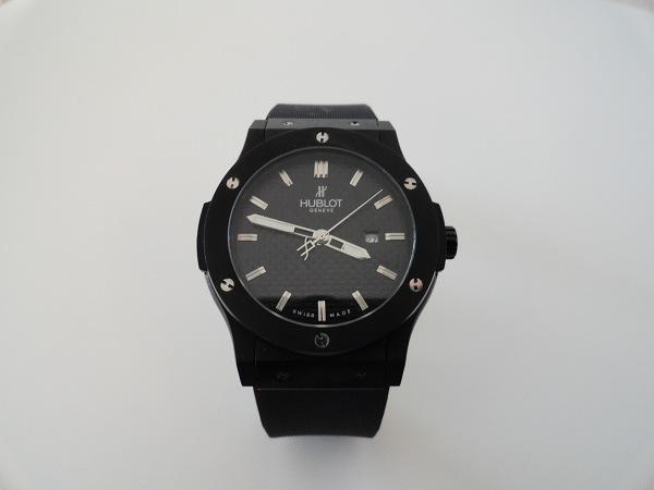 Hublot Classic Fusion toute l'aperçu de montre noir