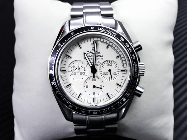 montres replique omega, Speedmaster Moonwatch snoopy